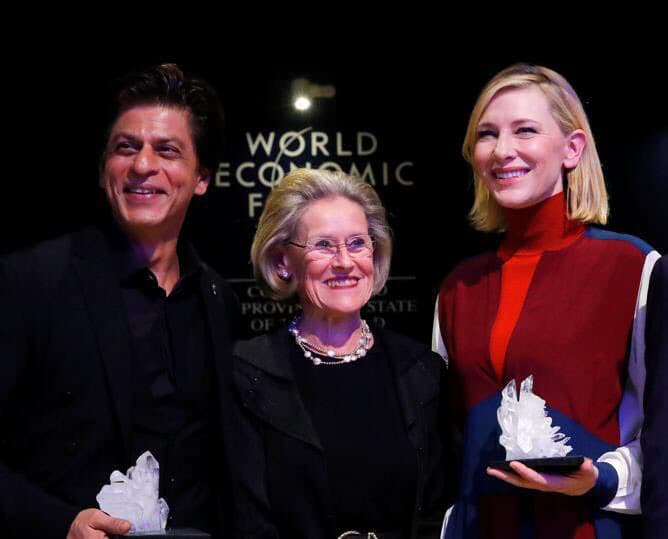 Shahrukh Khan (left) with Hollywood star Cate Blanchett (right) after accepting the Crystal Award in Davos. Photo courtesy: Facebook/@Shahrukh Khan's Fan Club