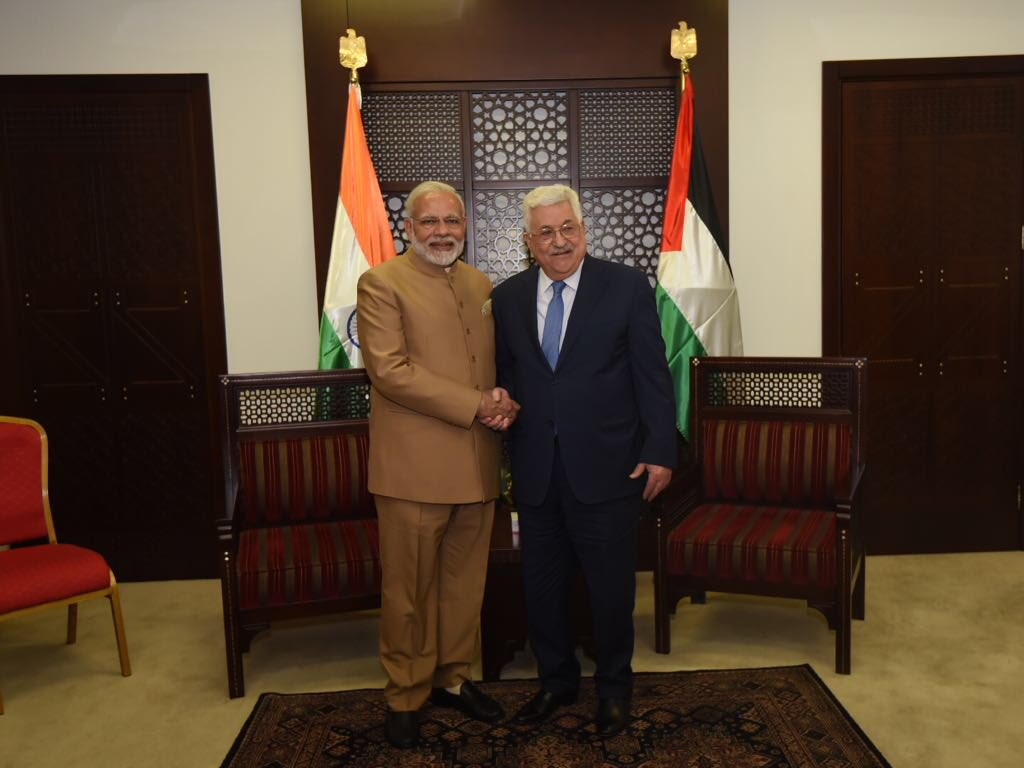 Indian Prime Minister Narendra Modi shaking hands with Palestine' President Mahmoud Abbas at Ramallah. Modi became the first Indian Prime Minister to visit Palestine.
