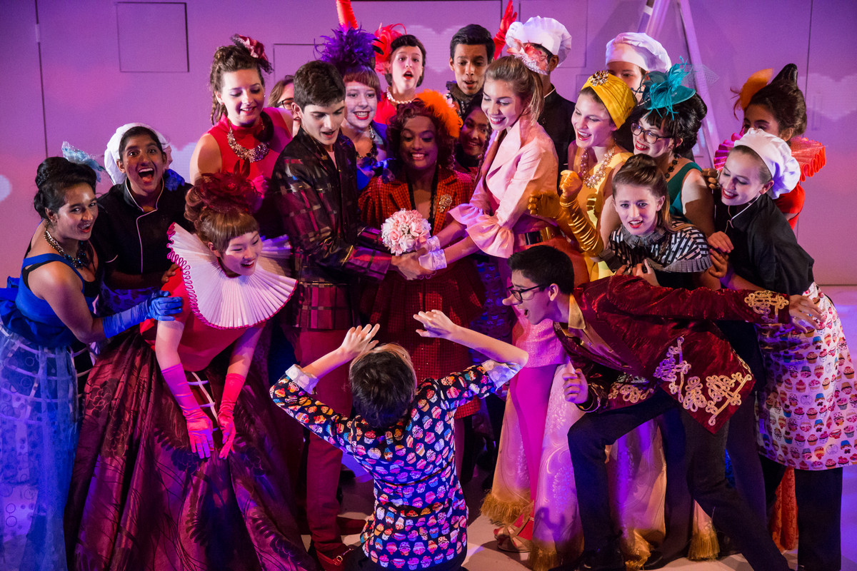 Colouring group - East Cyrano de Bergerac - UWCSEA East Campus.