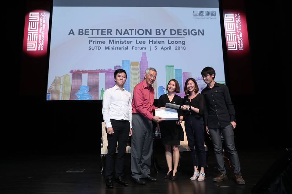 The students and faculty of SUTD presented Prime Minister Lee Hsien Loong a unique gift - a batik-inspired shirt with designs that darken when exposed to UV light.