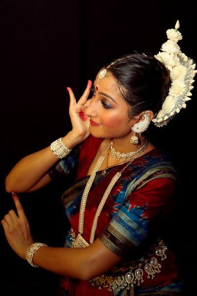 Soumee will present a traditional Odissi repertoire, which has been conceived to take the audience through a journey of a dancer's life.