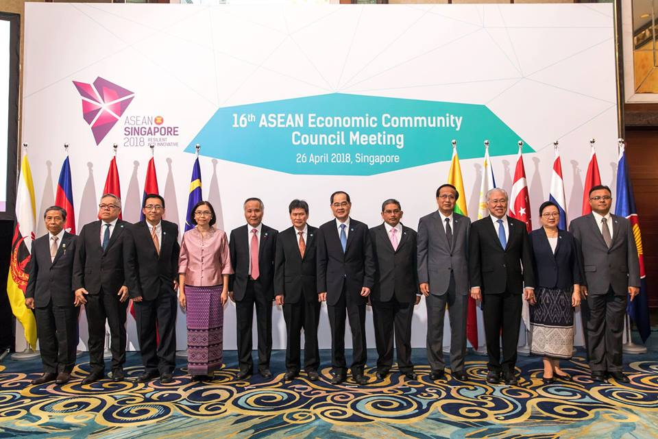 Minister Lim Hng Kiang and his ASEAN counterparts participating in the 16th ASEAN Economic Community (AEC) Council Meeting in Singapore. The council members took stock of AEC's accomplishments and exchanged views on pertinent economic issues which confront the region.