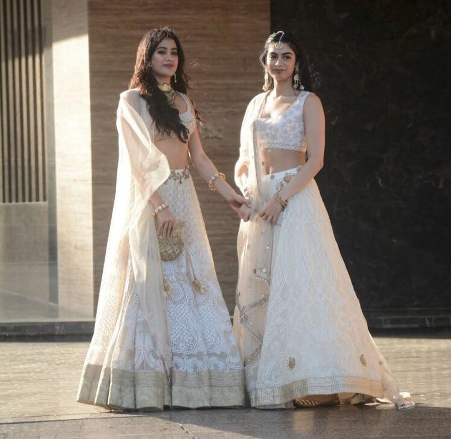 Jhanvi Kapoor (left) with sister Khushi Kapoor spotted outside the Mehendi ceremony of Sonam Kapoor.