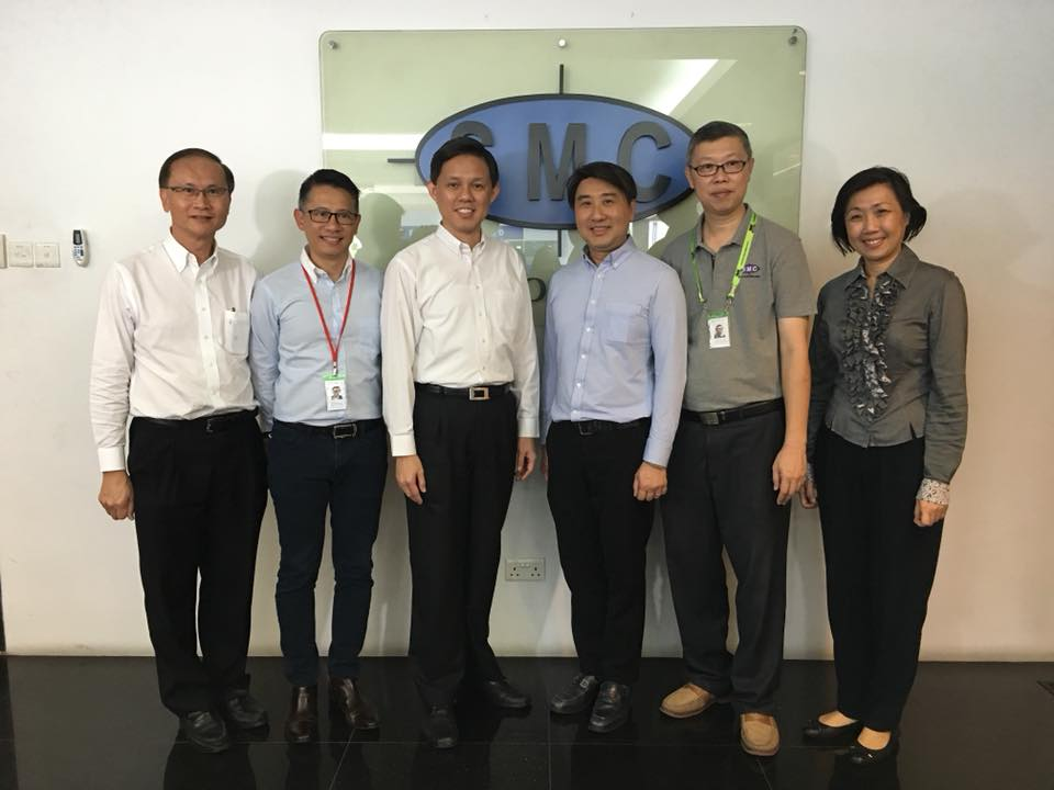 Trade and Industry Minister of Singapore Chan Chun Sing (third from left) along with the officers of food manufacturer SMC Food 21.