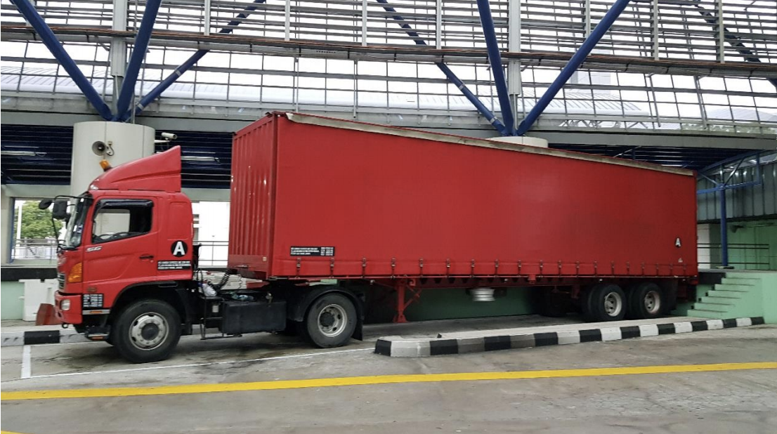 The Malaysia-registered prime mover used to smuggle in the duty-unpaid cigarettes. Photo courtesy: ICA