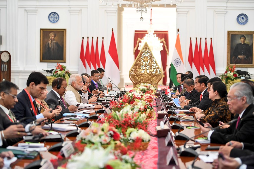 Indian Prime Minister Narendra Modi and Indonesian President Joko Widodo leading the delegation-level talks at Istana Merdeka. The two leaders discussed steps to upgrade the bi-lateral relationship to a Comprehensive Strategic Partnership.