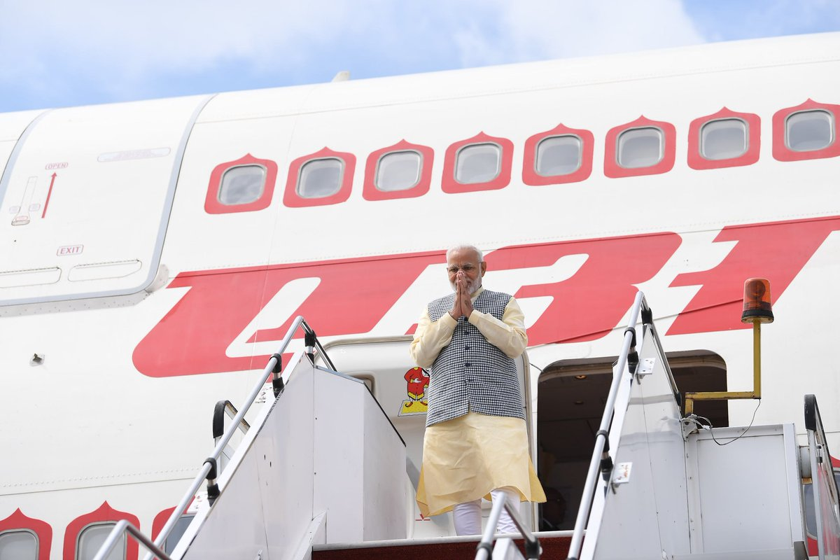 Earlier, PM Modi landed in Kuala Lumpur in the morning on his second leg of his tour to South East Asian nations of Indonesia, Malaysia and Singapore. Photo courtesy: Twitter/@MEAIndia