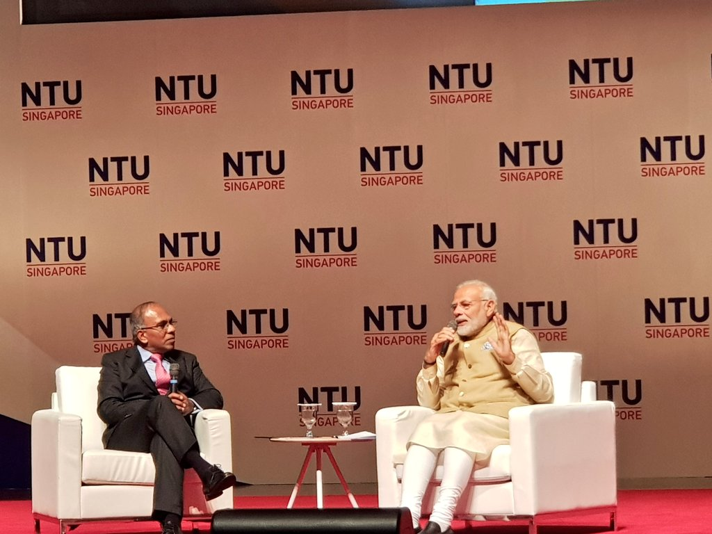 Professor Subra Suresh, President NTU interacting with Indian Prime Minister Narendra Modi at NTU. Answering one question, PM said the world is clear that the 21st century is Asia's century. Photo courtesy: Twitter/@MEAIndia