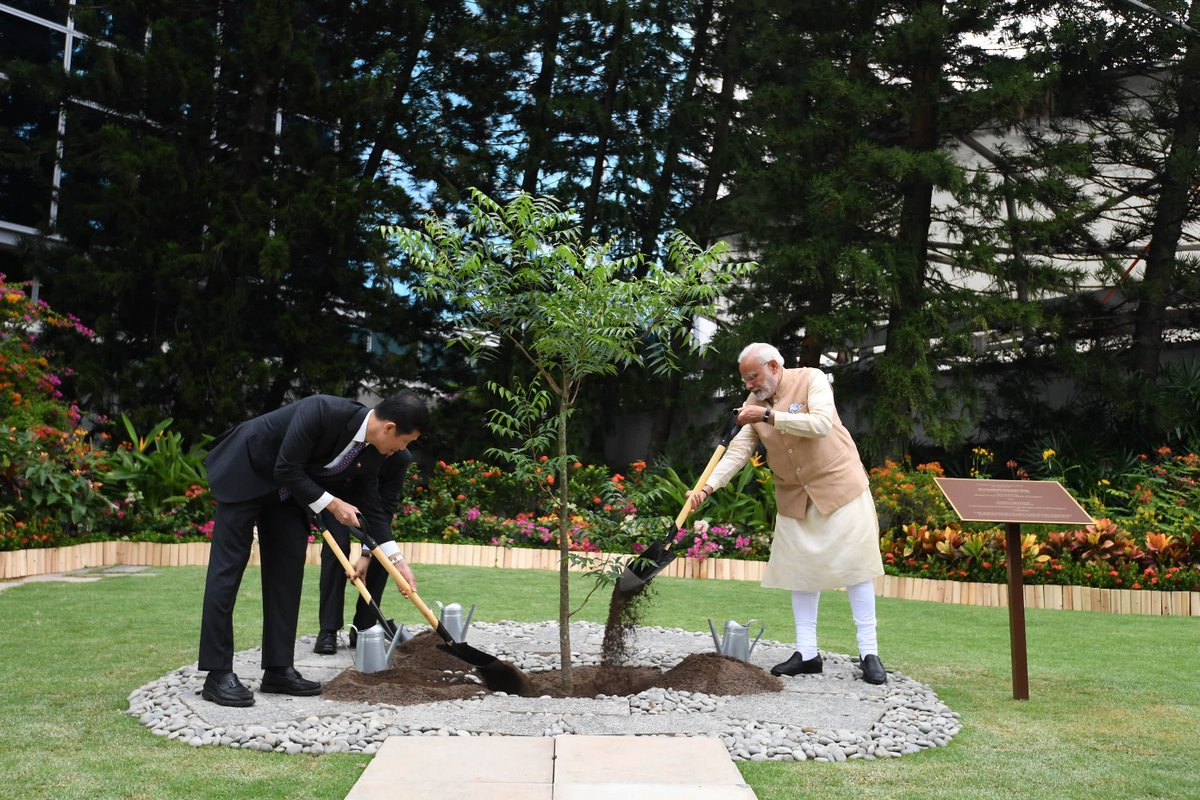 PM Modi concluded the visit to NTU by planting a Neem tree with president Suresh and Minister Ong on the campus.