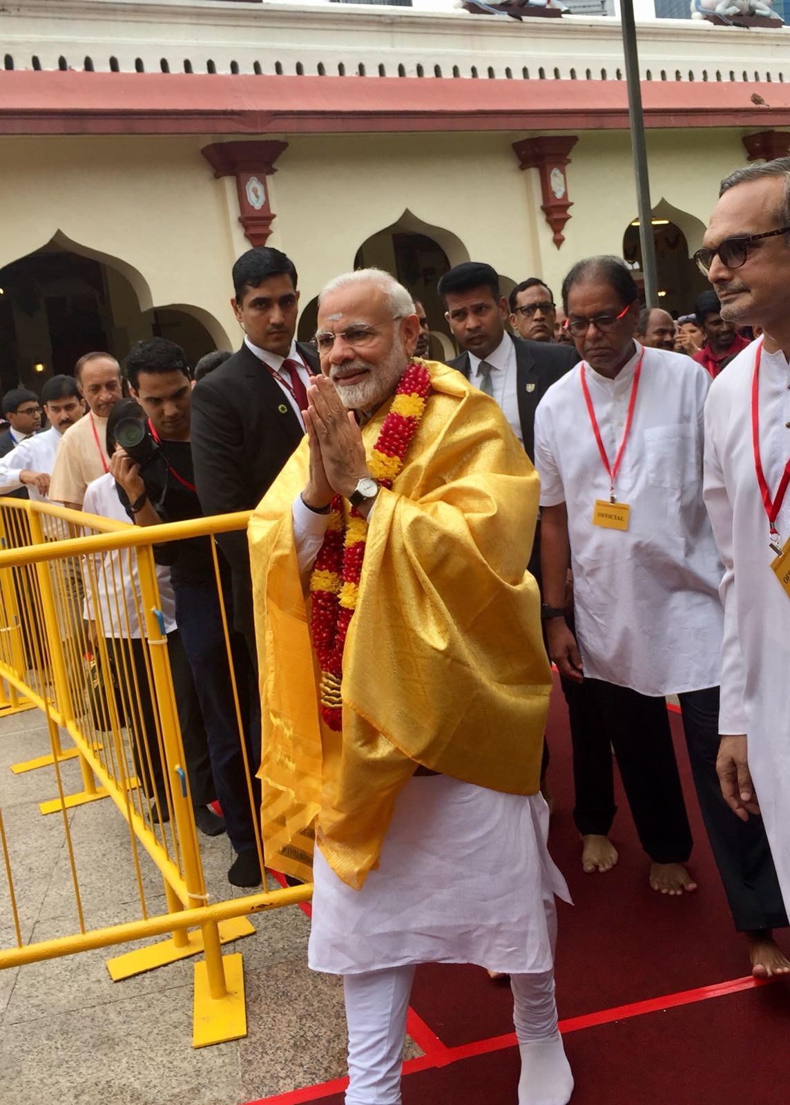 Indian Prime Minister Narendra Modi strengthened cultural bonds with Singapore as he visited the Mariamman Temple dedicated to Goddess Mariamman.