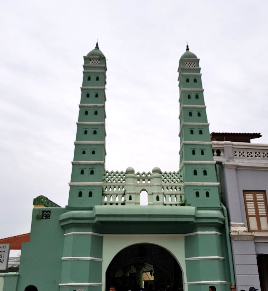 Chulia mosque of Singapore built by Chulia Muslim merchants from India's Coromandal Coast under the leadership of Anser Sahib. Photo courtesy: Twitter/@MEAIndia
