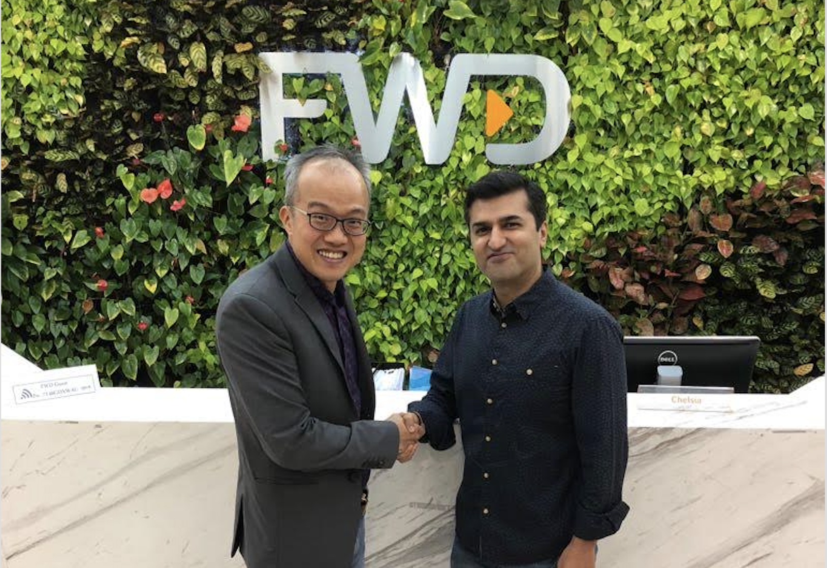 Benjamin Yeo, Managing Director and Head of Insurance Coverage at DBS Bank, with Abhishek Bhatia, Chief Executive Officer, FWD Singapore. Photo courtesy: FWD
