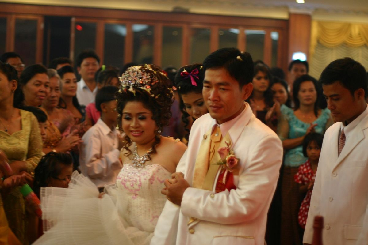 Marriages in Singapore totalled 28,212 in 2017, up 0.9 per cent up from the 27,971 in 2016. Photo courtesy: Wikipedia