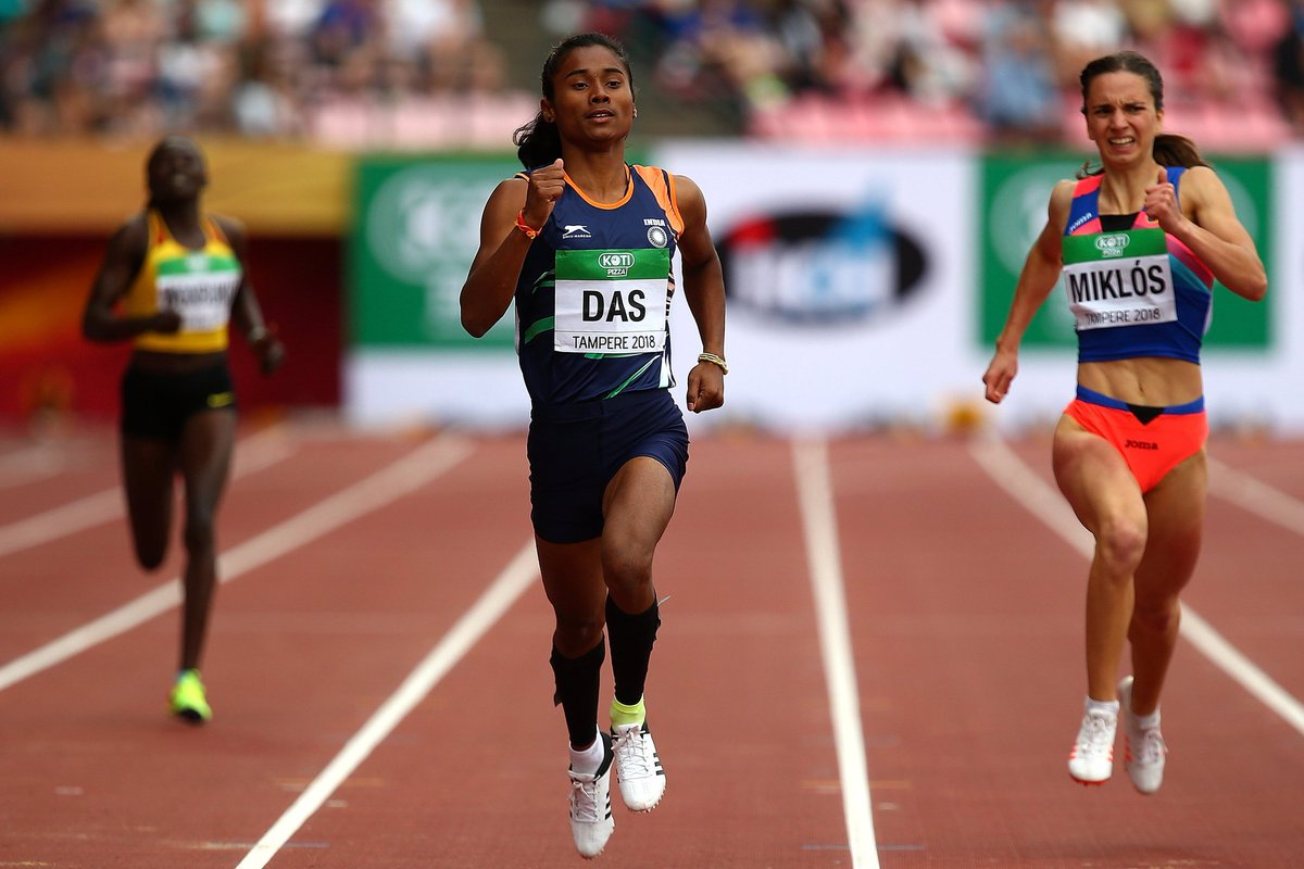 Das was the favourite to win gold as she is the U-20 season leader in this quarter-mile event.