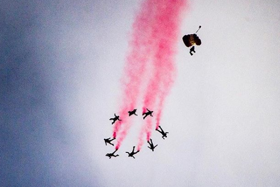 Red Lions performing a wonderful pattern on the skyline of Singapore. Photo courtesy: Instagram page of NDP 2018