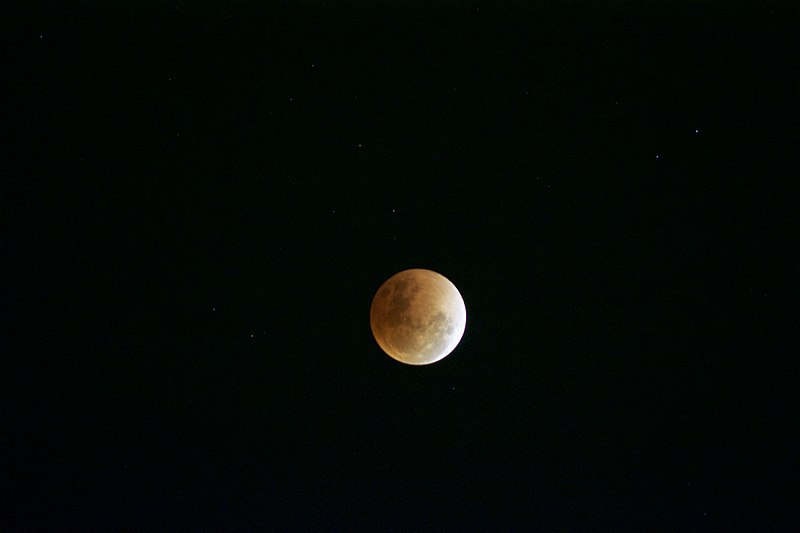 A view of the total lunar eclipse that was witnessed in Singapore on January 31, 2018. Photo courtesy: Wikimedia