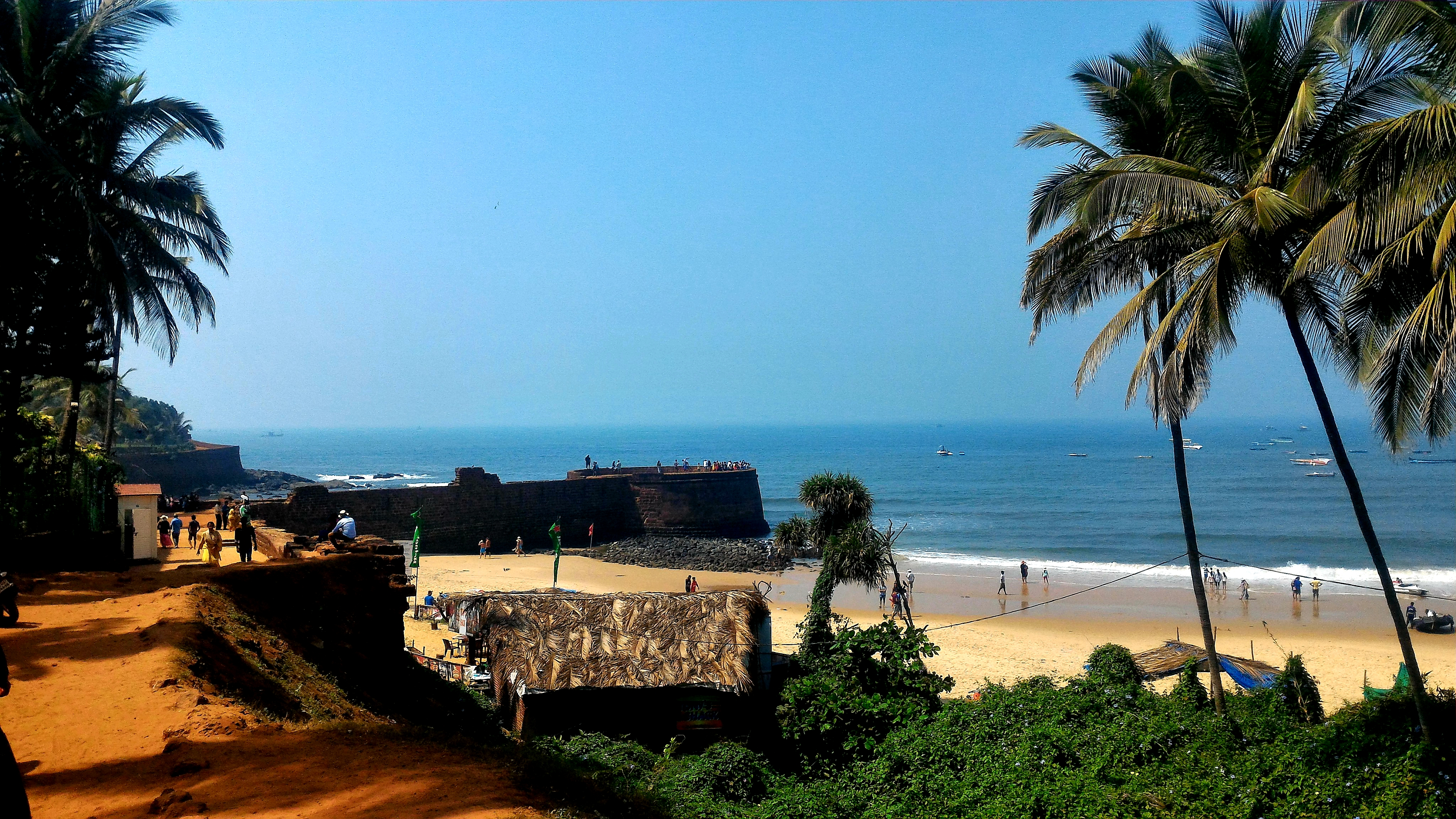 Clarity at its best ! Clear skies and clear water . Presenting the blue Goa  Picture Credits - Umang Goel.