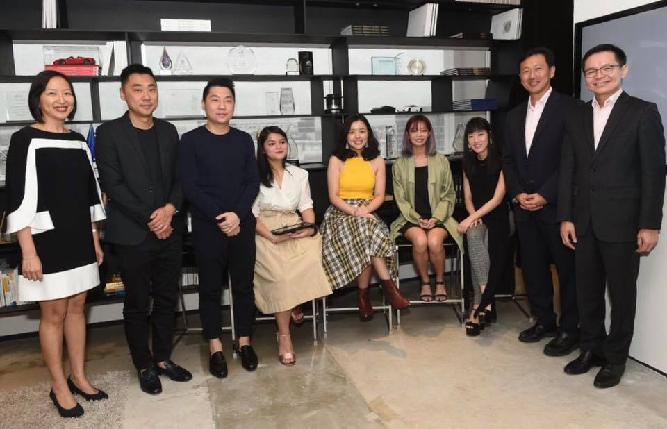 Ong Ye Kung, Education Minister of Singapore along with the staff of fashion brand Charles & Keith. Photo courtesy: Facebook page of Ong Ye Kung