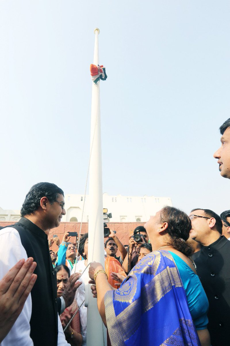 Thousands of Indian nationals gathered at CGI, Dubai for the 72nd Independence Day celebrations. ACG Sumathi Vasudev hoisted the national flag @cgidubai