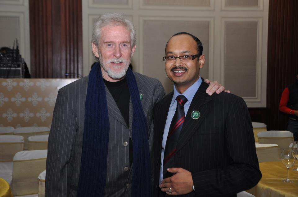 Harish (right) with veteran Bollywood actor Tom Alter. Photo courtesy: Facebook/Harish Goyal