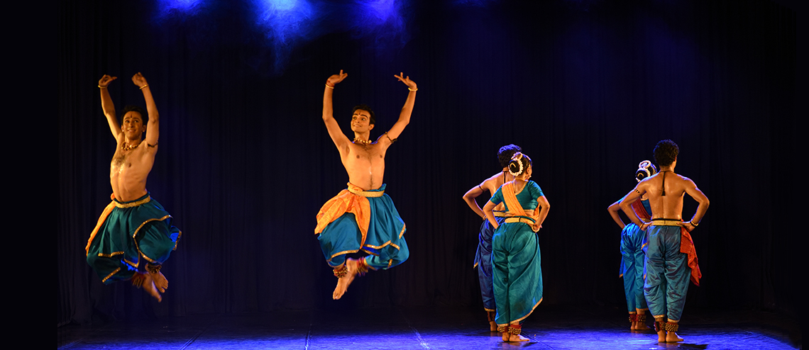Artistes of Spanda Dance Company vividly exhibiting the flow of river through Bharatanatyam. Photo courtesy: Esplande Theatres on the Bay