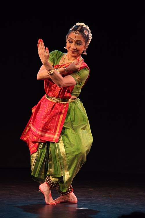Leela Samson conveys the philosophy that life must be navigated and the goal should be to cross the river to new shores. Photo courtesy: leelasamsondance.com