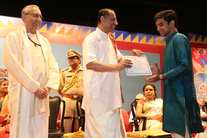 Vishaal Sapuram being felicitated at the Music Academy Award. Photo courtesy: navachitravina.com