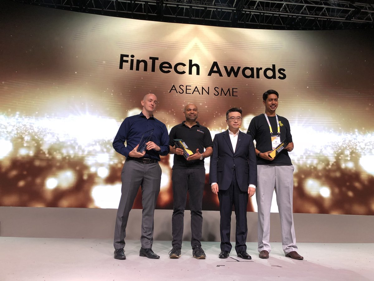 Awards were given to the promising SMEs at the Singapore Fintech Festival. Photo courtesy: Twitter@/sgfintechfest
