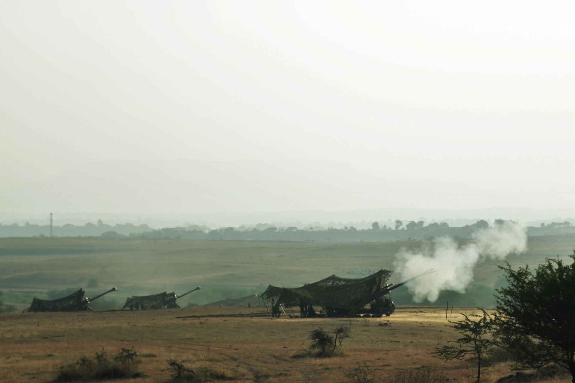 Singapore Light Weight Howitzers of Singapore Armed Forces firing off in a joint live-firing with the Indian Army at Exercise Agni Warrior 2018. (Photo courtesy: Ministry of Defence, Singapore