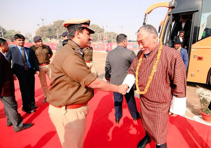 An envoy being welcomed on arrival to the Kumbh site.  Photo courtesy: U.P. Government