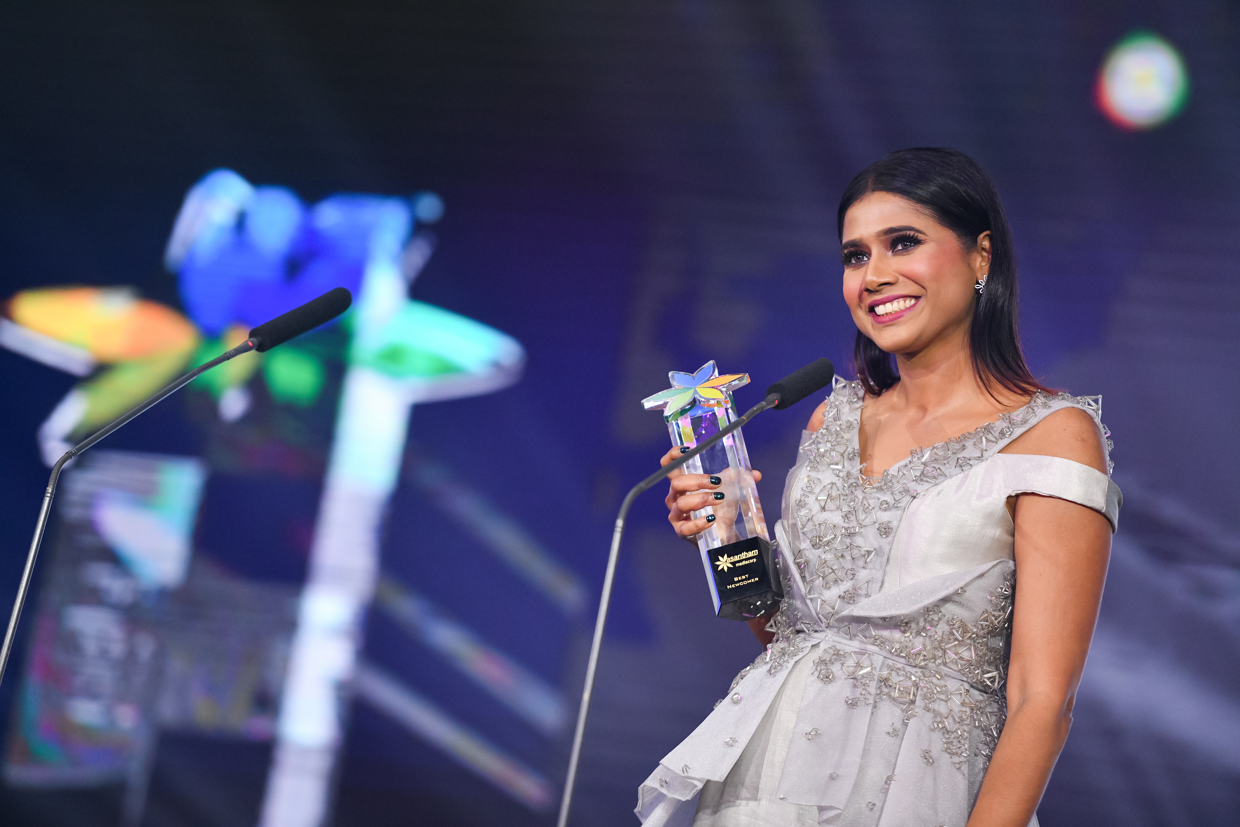 Best Newcomer - Malar Meni Perumal. Photo courtesy: Vasantham