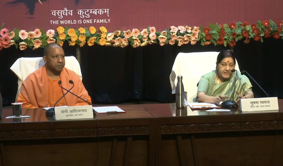 Uttar Pradesh Chief Minister Yogi Adityanath and Indian Minister of External Affairs Sushma Swaraj holding a joint press meet to apprise of upcoming Pravasi Bharatiya Divas in Varanasi. Photo courtesy: Twitter, MEA.