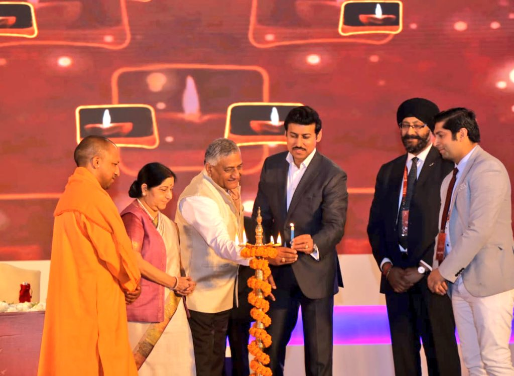 Yogi Adityanath, Chief Minister of Indian State of Uttar Pradesh (from left to right), Sushma Swaraj, Indian Minister of External Affairs, Gen VK Singh, Indian Minister of State for External Affairs, Rajyavardhan Singh Rathore, Indian Minister of State of Youth Affairs and Sports and India-origin Members of Parliament Himanshu Gulati of Norway and Kanwaljit Bakshi of New Zealand inaugurating Youth Pravasi Bharatiya Divas at Varanasi today. Photo courtesy: Twitter@MEA