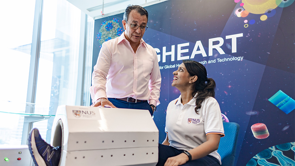 A team of NUS researchers led by Associate Professor Alfredo Franco-Obregón (left) developed MRegen, a medical device capable of regenerating muscles in a non-invasive and painless manner using magnetic field. Photo courtesy: NUS