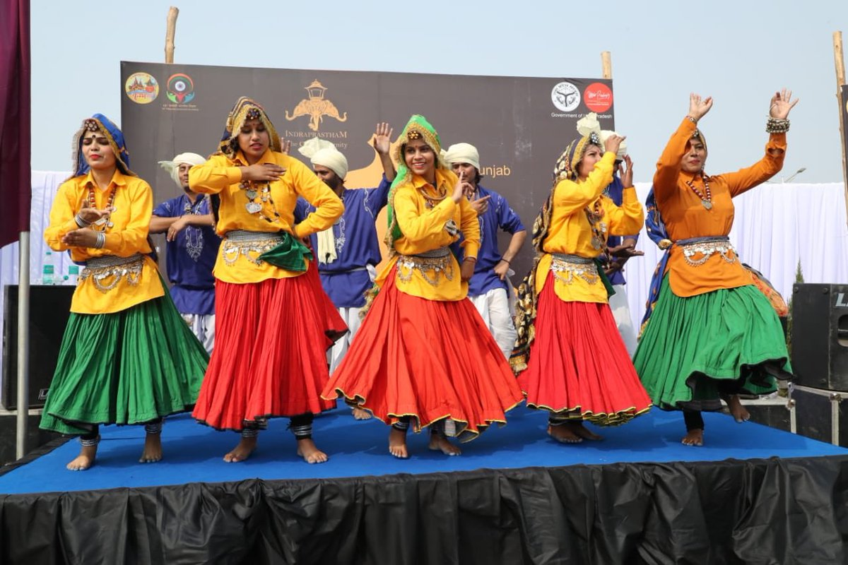 Artists performing dance to welcome the PBD delegates. Photo: Connected to India