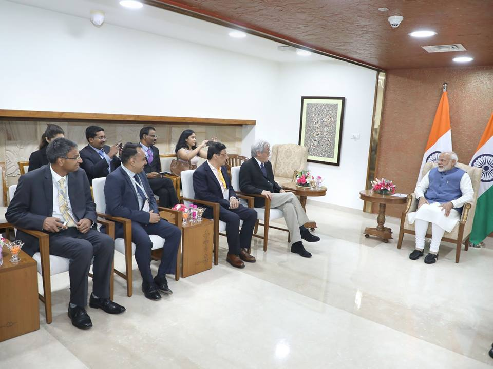 Members of SICCI having interesting discussion with Indian Prime Minister Narendra Modi. Photo courtesy: Facebook page of SICCI
