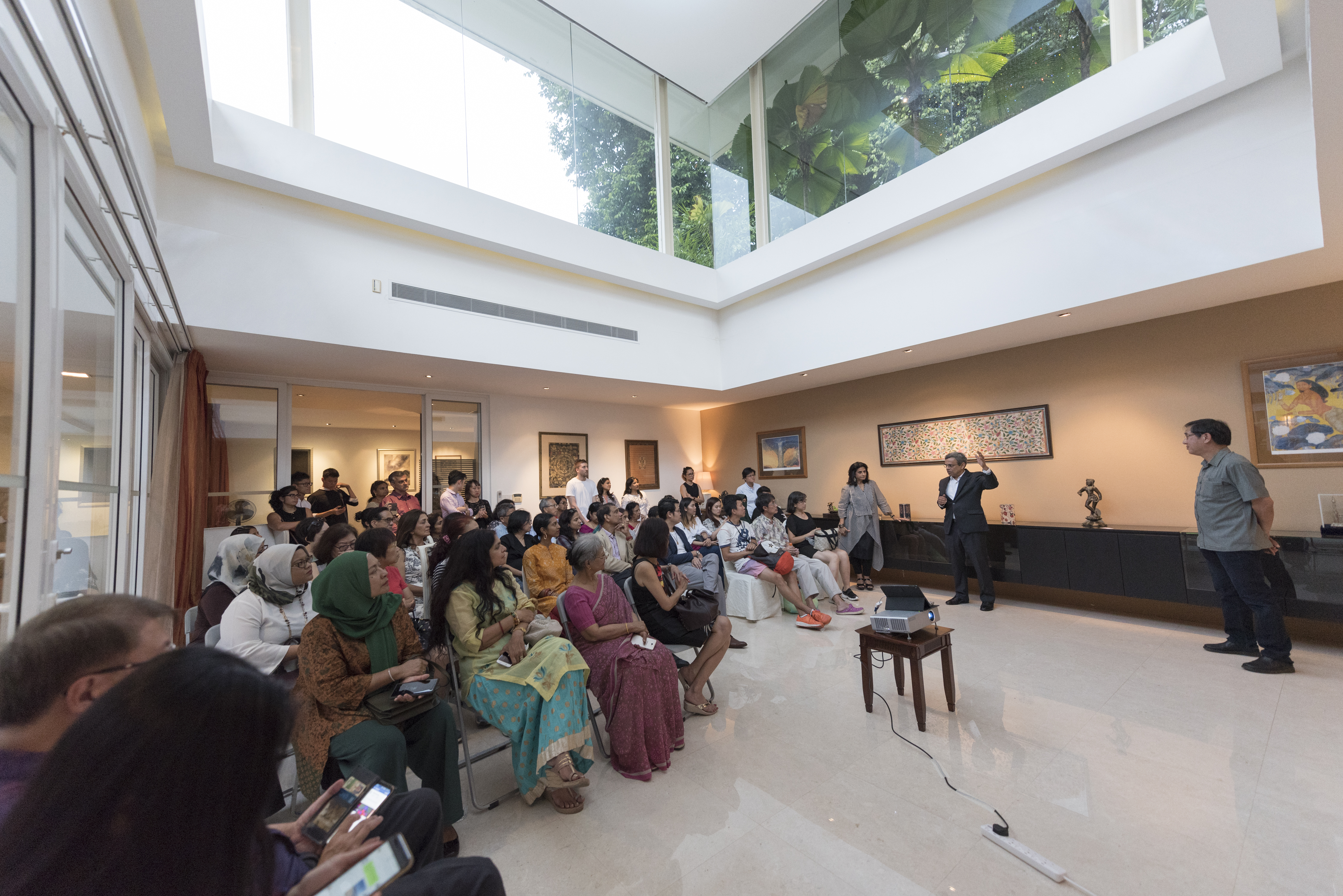 Steven Siow made a presentation of the renovation and conservation at the open house of India House. H.E. Jawed Ashraf, High Commissioner of India to Singapore also shared his experience with the people. Photo courtesy: IDF, Singapore