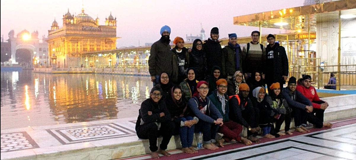YSA volunteers paying obeisance at the Golden Temple in Amritsar during their visit to India. Photo courtesy: YSA