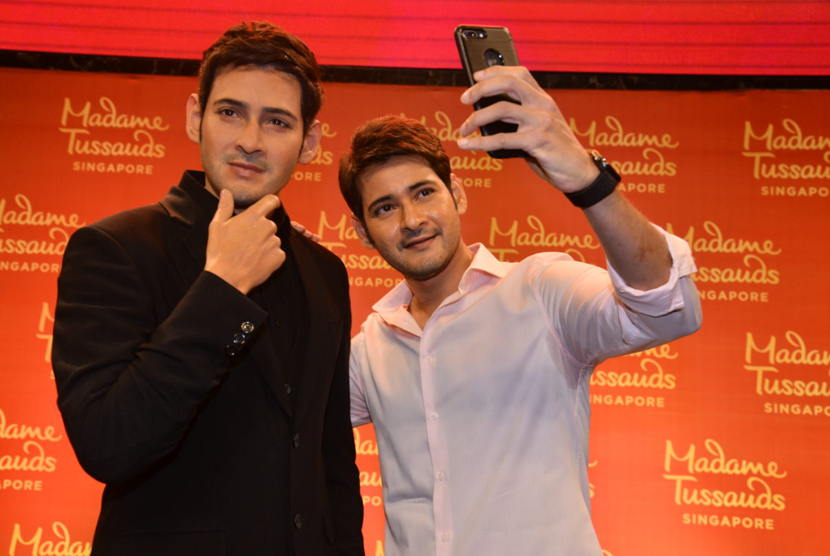 The launch was shared with over 300 guests, including Mahesh's wife Namrata Shirodkar and kids Gautham and Sitara, and 200 fans who got to take selfies with the wax figure.
