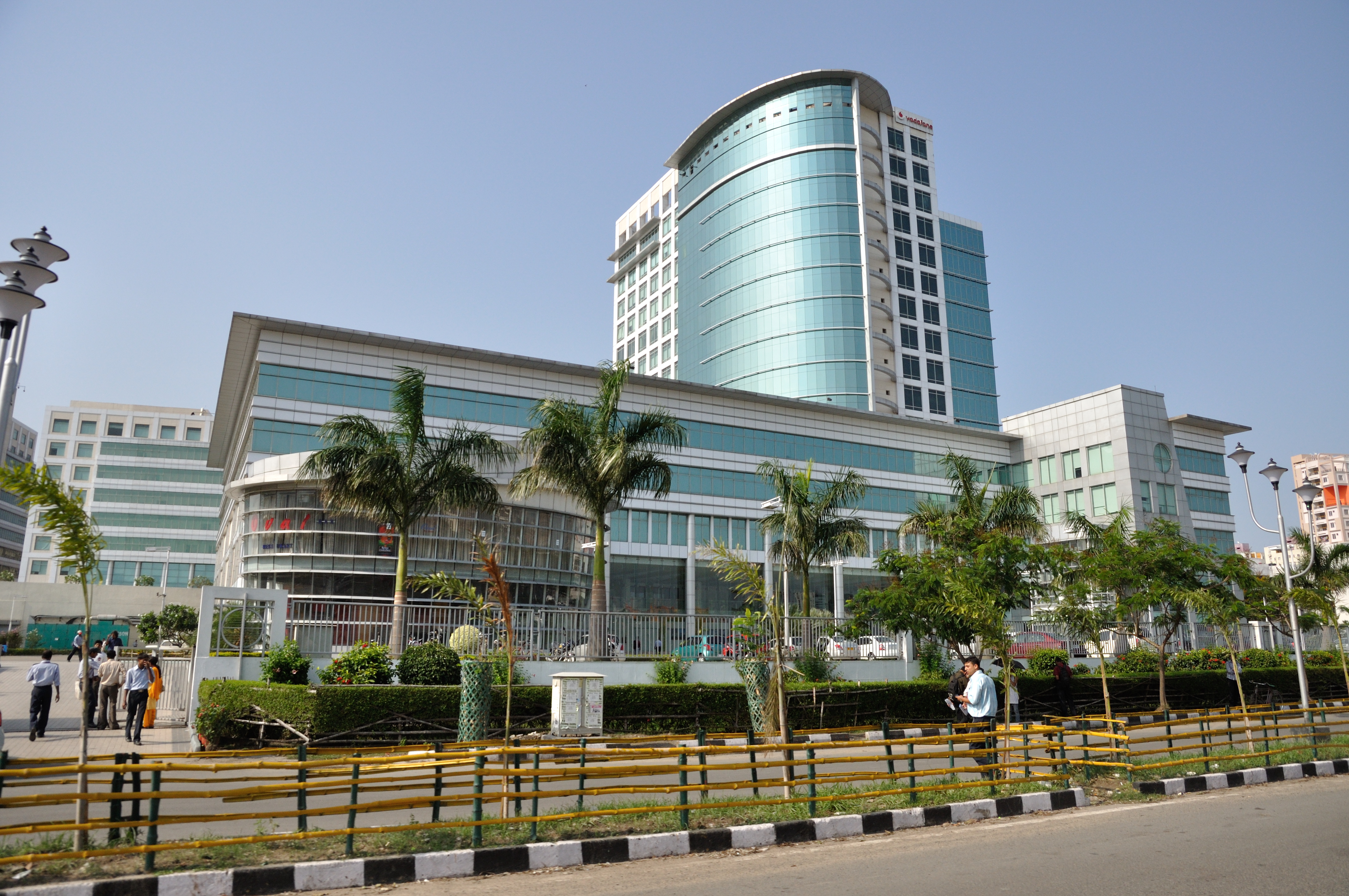GIC sold 68 million shares of DLF in a block deal for around INR13.4 billion (SGD260 million). Photo courtesy: Wikimedia