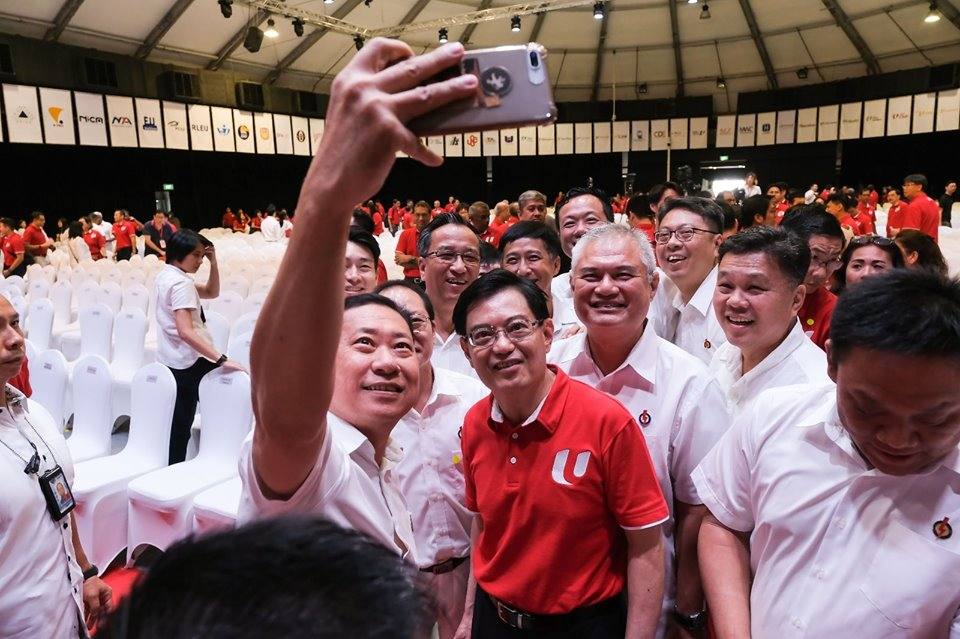 Union leaders taking selfie with new Deputy Prime Minister of Singapore Heng Swee Keat.  Photo courtesy: Facebook page of PAP