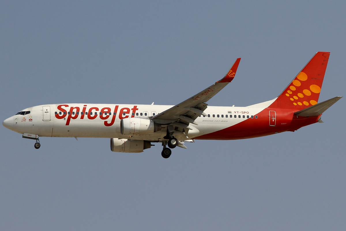 189 people aboard a Dubai-Jaipur SpiceJet aircraft had a miraculous escape today when their aircraft landed at the Jaipur airport in India with one of its tyres having burst. Photo courtesy: Wikimedia