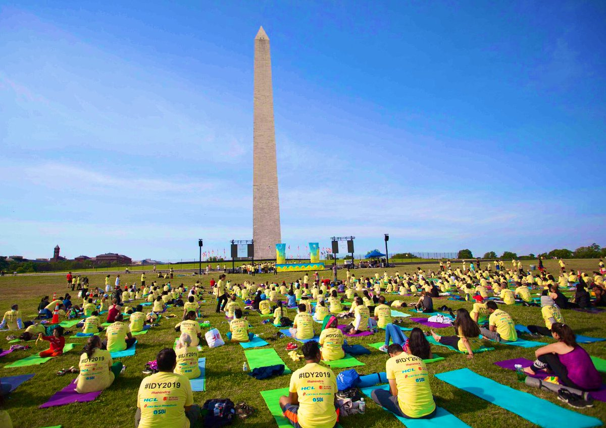 The 5th International Day of Yoga (IDY) was celebrated on Sunday, 16 June 2019 at the Washington Monument in Washington DC. Representatives from the Wmembers of the diplomatic hite House, US Department of State and other Government agencies, prominent community and the Indian diaspora were among the participants.