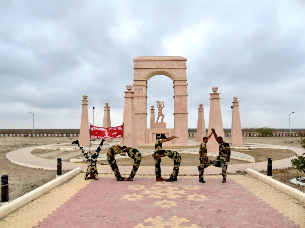 BSF jawans put on a yoga performance to mark Yoga Day at the Indo-Pak border in Gujarat. Photo courtesy: Twitter/@BSFIndia