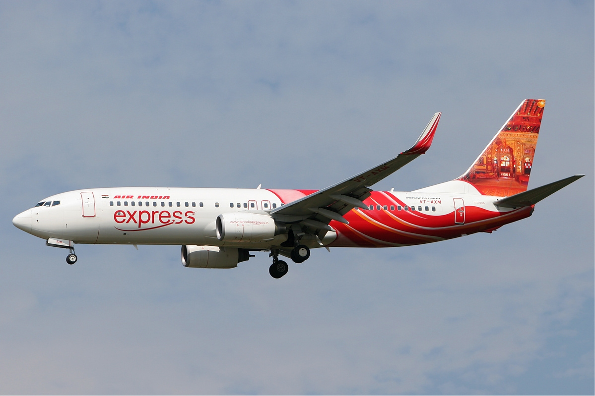 An Air India Express flight, originating from Dubai, veered off the taxiway after landing and got stuck in the soft ground. Photo courtesy: Wikimedia