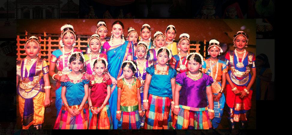 Paris Laxmi with her students. Photo courtesy: www.kalashaktiarts.com
