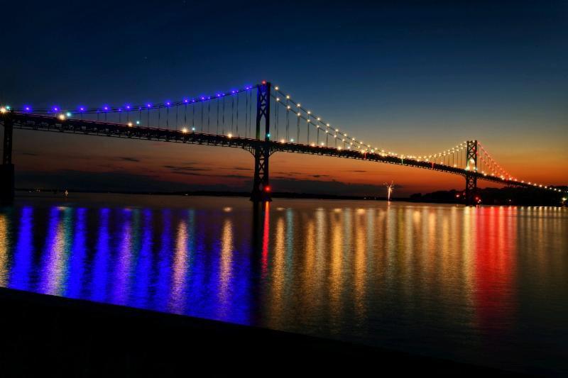 The Hope Bridge, lit up in American flag colours. Photo courtesy: Twitter/@CarolineGoggin
