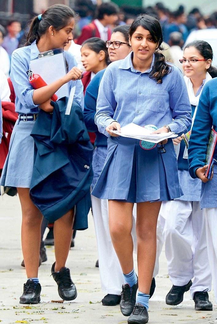 Schoolgirl showing pussy