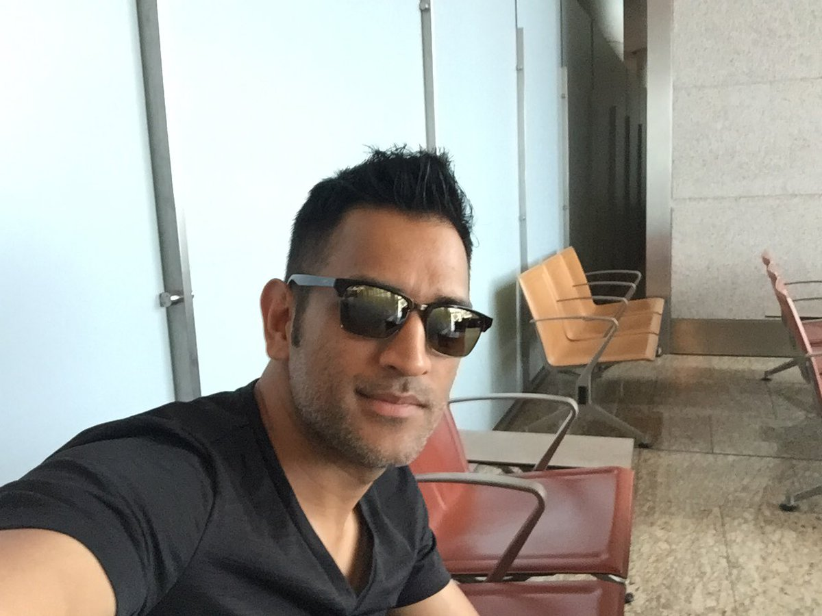 Photo courtesy: Twitter/@msdhoni