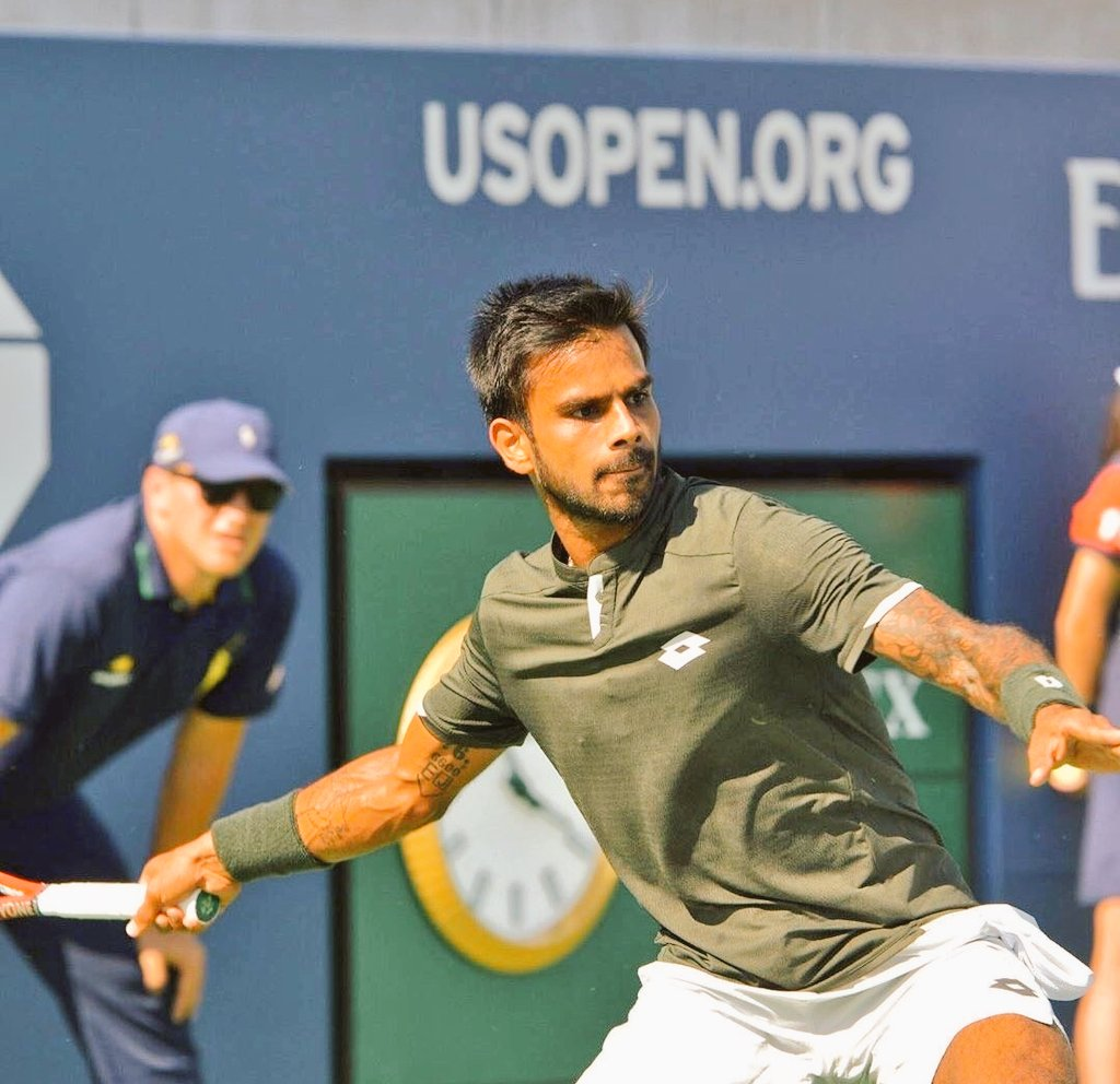 Sumit Nagal went down fighting to Roger Federer 6-4, 1-6, 2-6, 4-6 in the first round of the US Open. Photo courtesy: Twitter/@usopen